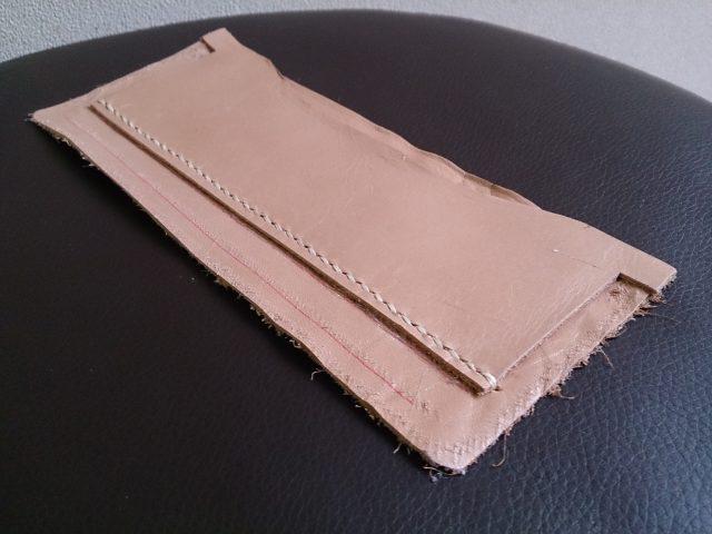 2つ折りロングウォレットのカードケース