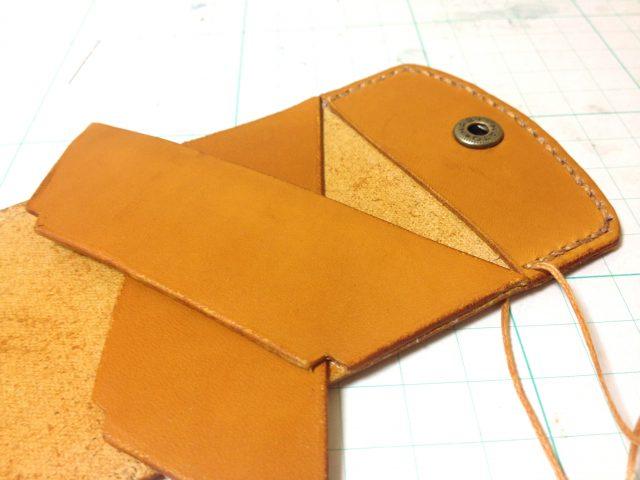 レザークラフトでの内装の縫い