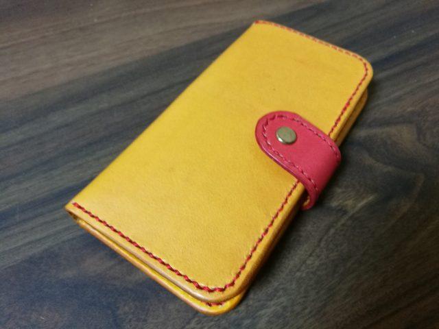 レザークラフトで作ったiPhoneケース1