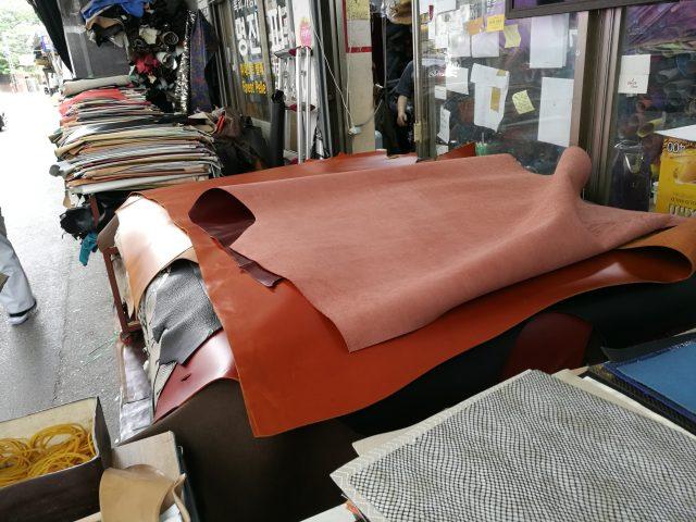 韓国で買った革