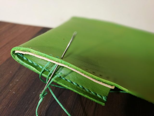 レザークラフトでの縫い