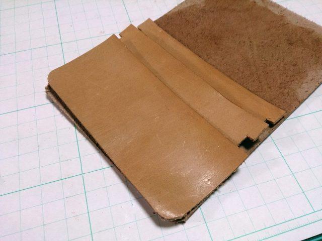 革細工:カードケースのパーツ
