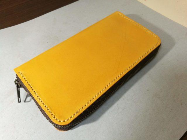 レザークラフトで作ったラウンドファスナー型長財布