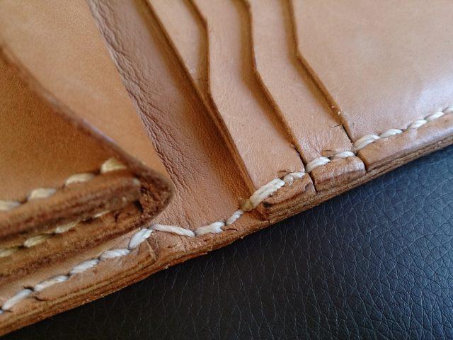 手縫い革財布の拡大写真