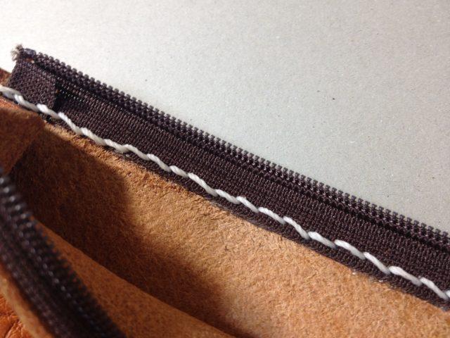 ペンケースへのファスナーの縫い付け